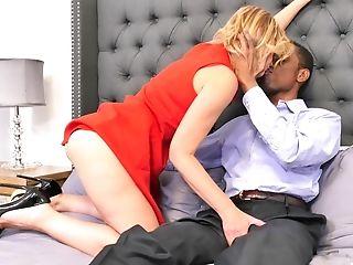 Ready For The Lifetime Orgasm Molly Maracas Hops On A Hard Dick