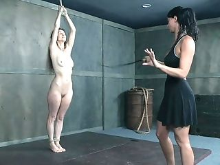 Skinny Matures Granny Paintoy Emma Gets Her Pinned By London Sea