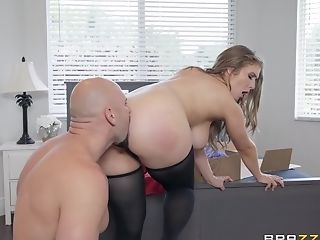 Curvy Cougar Stunner Lena Paul Gets Jizm On Tits And Face