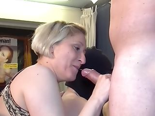 Matures Petra W. And Teresa Lynn In An Intense Groupie