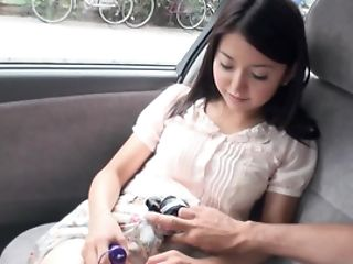 Mami Sugiyama Wants Hookup And Plays With Wand In Car