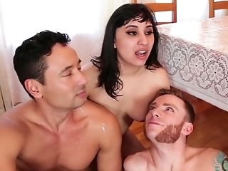 Horny Cadence Lux And A Few More Beotches Expose What Bisexual Mmf Is