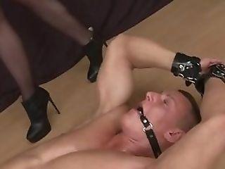 Dicksucking  Likes Foot Fetish